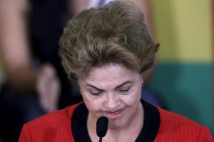 Brazil's President Dilma Rousseff reacts during a conference with representatives from workers' unions and social movements, in Brasilia August 13, 2015. REUTERS/Ueslei Marcelino